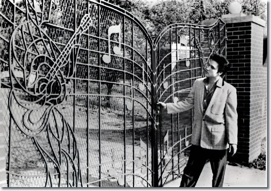 1957_graceland_gates_large.jpg